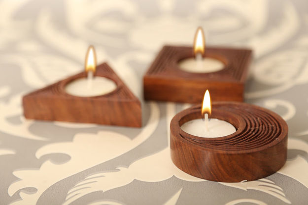 Picture of Wooden Tealight Holder Engraved (Set of 3)
