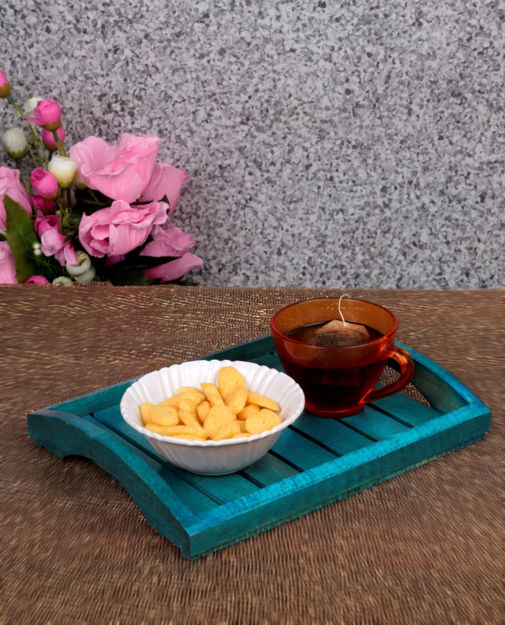 Picture of Wooden Serving Tray In Steam Beach Wood (Blue)