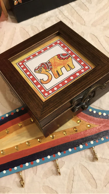 Picture of Multipurpose Traditionally styled knick-knack boxes