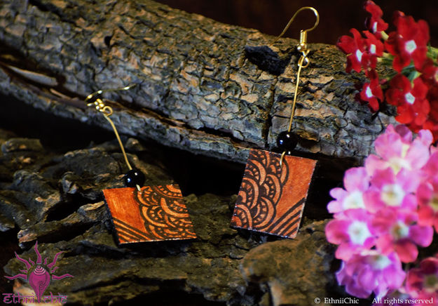 Picture of Earring Studs with Black Beads - Mural Design (Handpainted Brown)